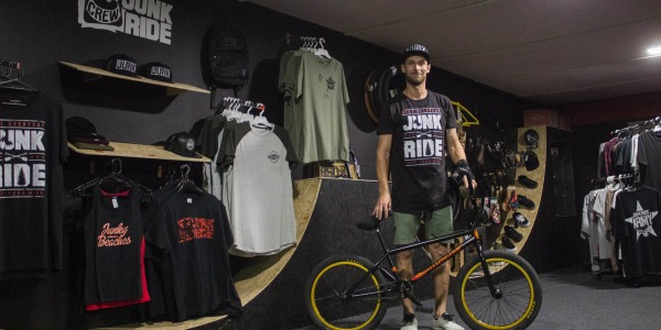 VIKTOR BAKO WELCOME TO JUNKRIDE CREW + NEW BIKECHECK